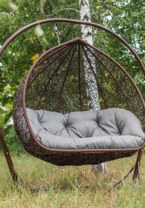 Підвісні крісла з ротанга для двох